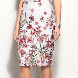 Roz & Ali White & Pink Floral Pencil Skirt Size 2X